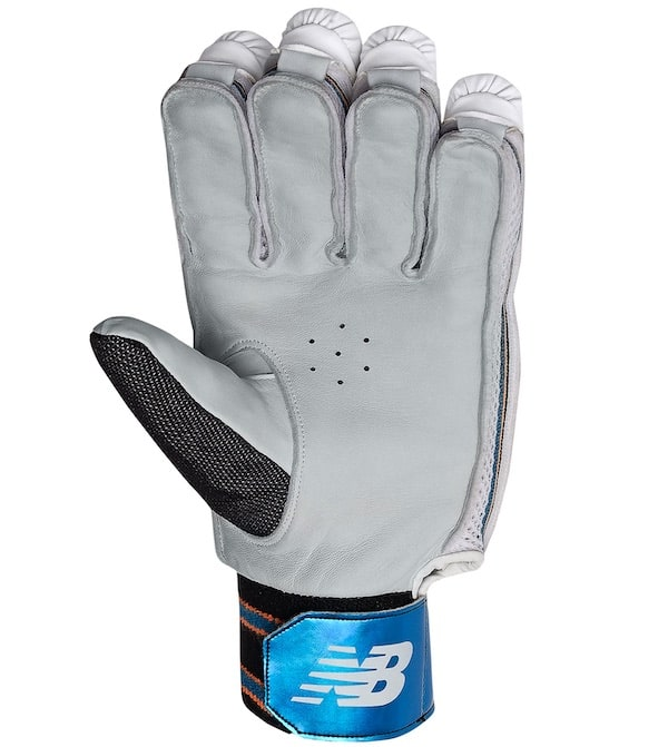 DC 580 New Balance Batting Gloves 19/20